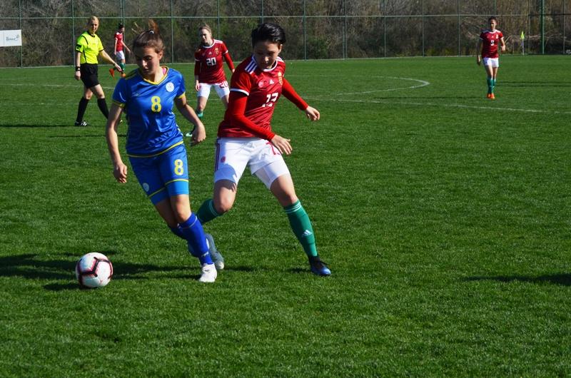 Në përmbyllje të turneut vashat e Kosovës humbin nga Hungaria