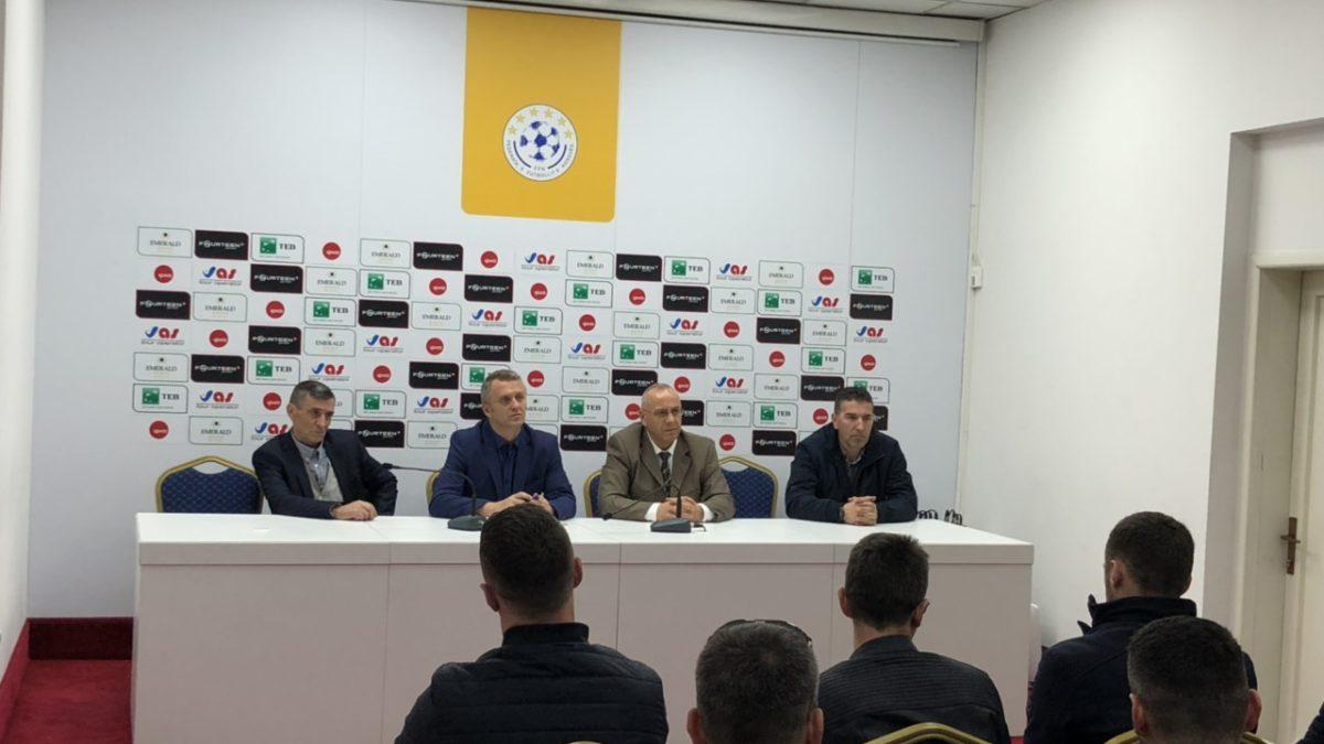Krerët e FFK-së takuan përfaqësuesit e klubeve të futsallit