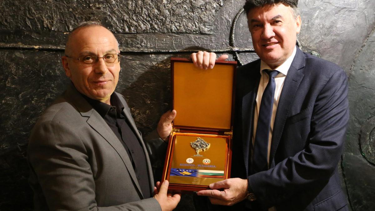 Presidenti Ademi shtroi darkë për presidentin e FF të Bullgarisë, Borislav Mikhailov