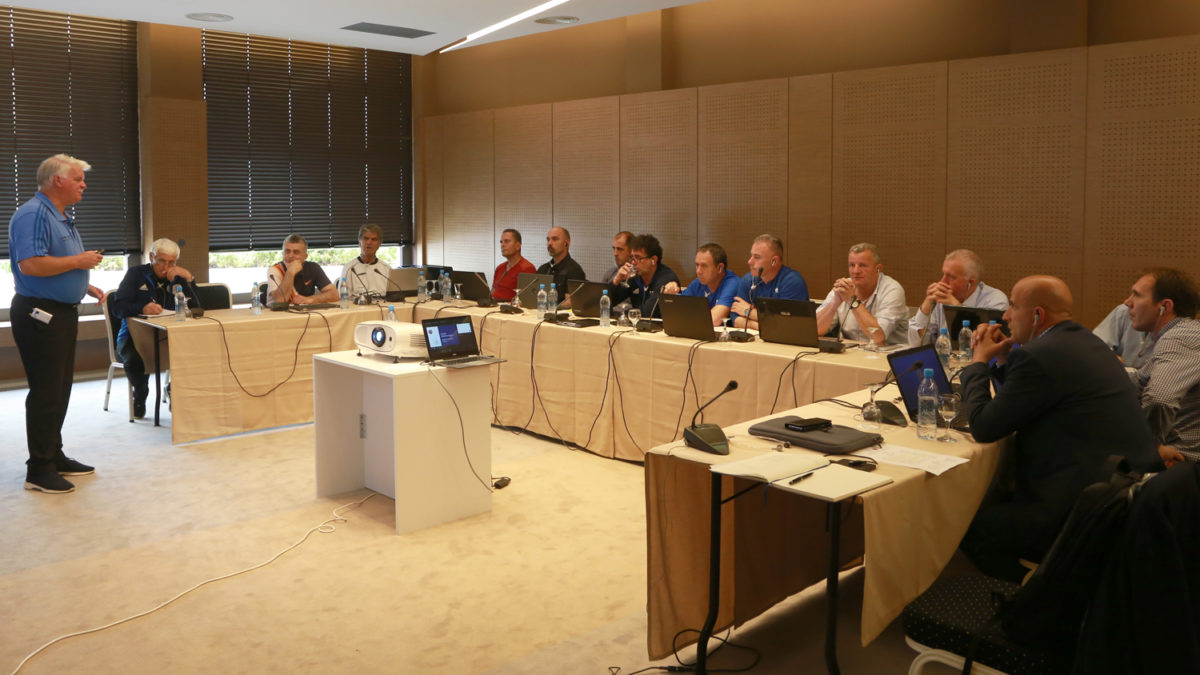 Seminari i parë i UEFA-së me instruktorë të gjyqtarëve