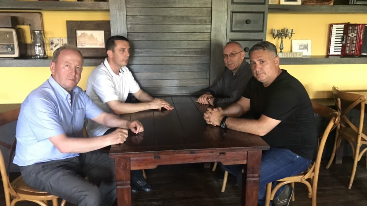 Krerët e FFK-së takuan ministrin Gashi në Prizren, nesër prezantohet projekti i Stadiumit Kombëtar