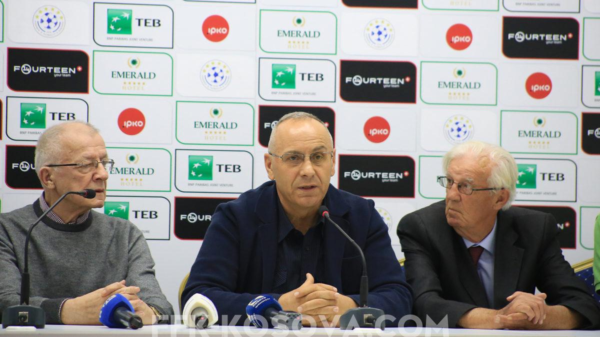 Në 28 vjetorin e ndeshjes së parë të pavarësimit të futbollit të Kosovës u nderuan ish-kryetarët e FFK-së