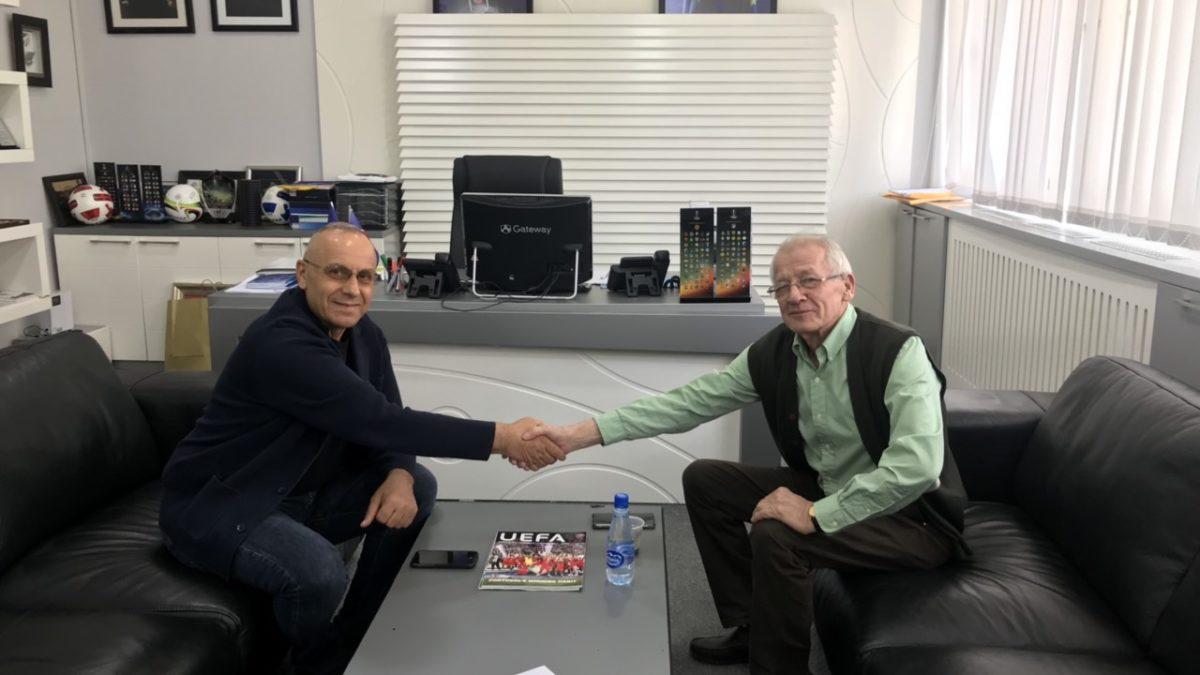 Presidenti Ademi takoi Sabri Hashanin