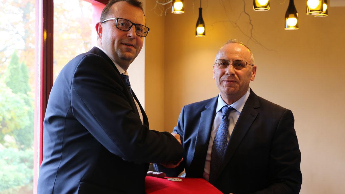 Federata çeke shtroi drekë për delegacionin e FFK-së