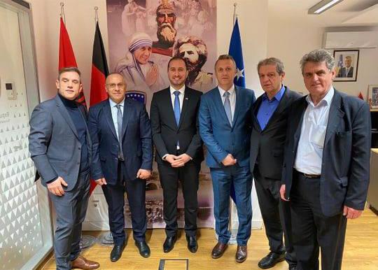 Krerët e FFK-së u pritën nga konsulli Kashtanjeva në Dyseldorf