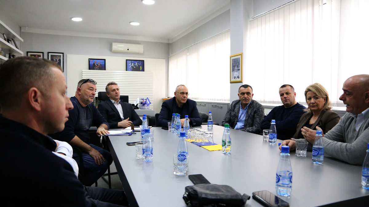 Drejtuesit e FFK-së pritën përfaqësuesit e klubeve të Ipko Superligës