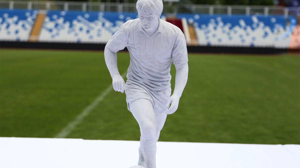 Sot përurohet shtatorja e Fadil Vokrrit si dhe zhvillohen dy ndeshje revyale për nder të Legjendës