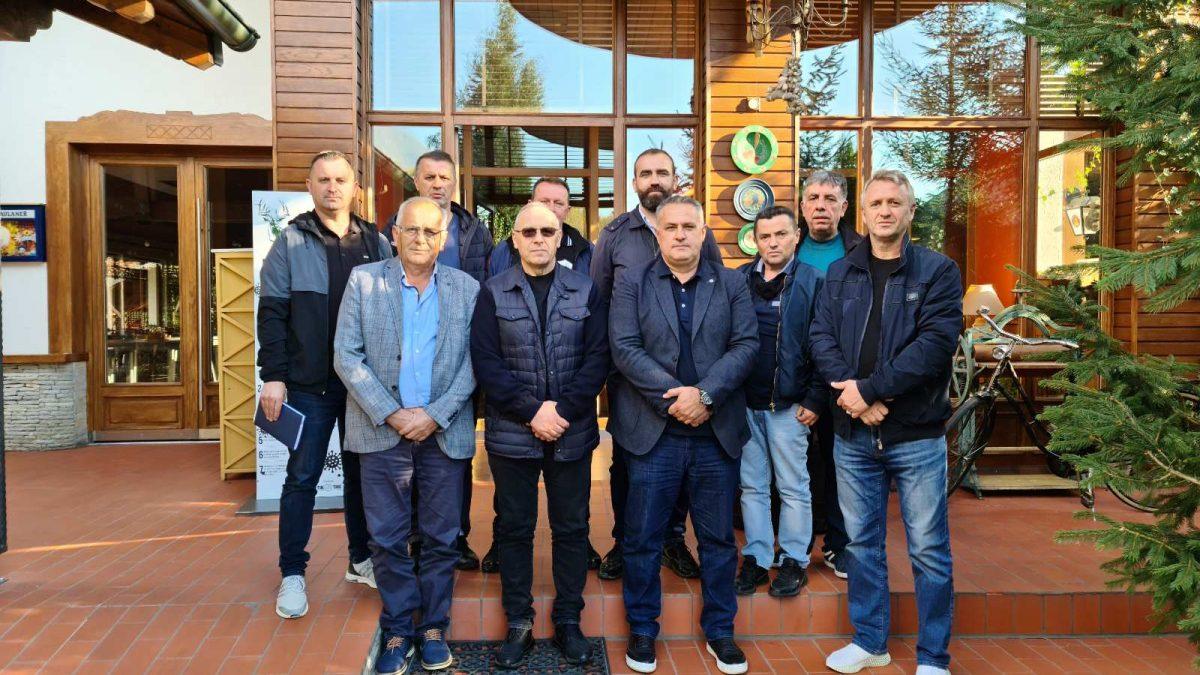 Drejtuesit e FFK-së qëndruan për vizitë në LRF të Prizrenit dhe në komunën e Dragashit