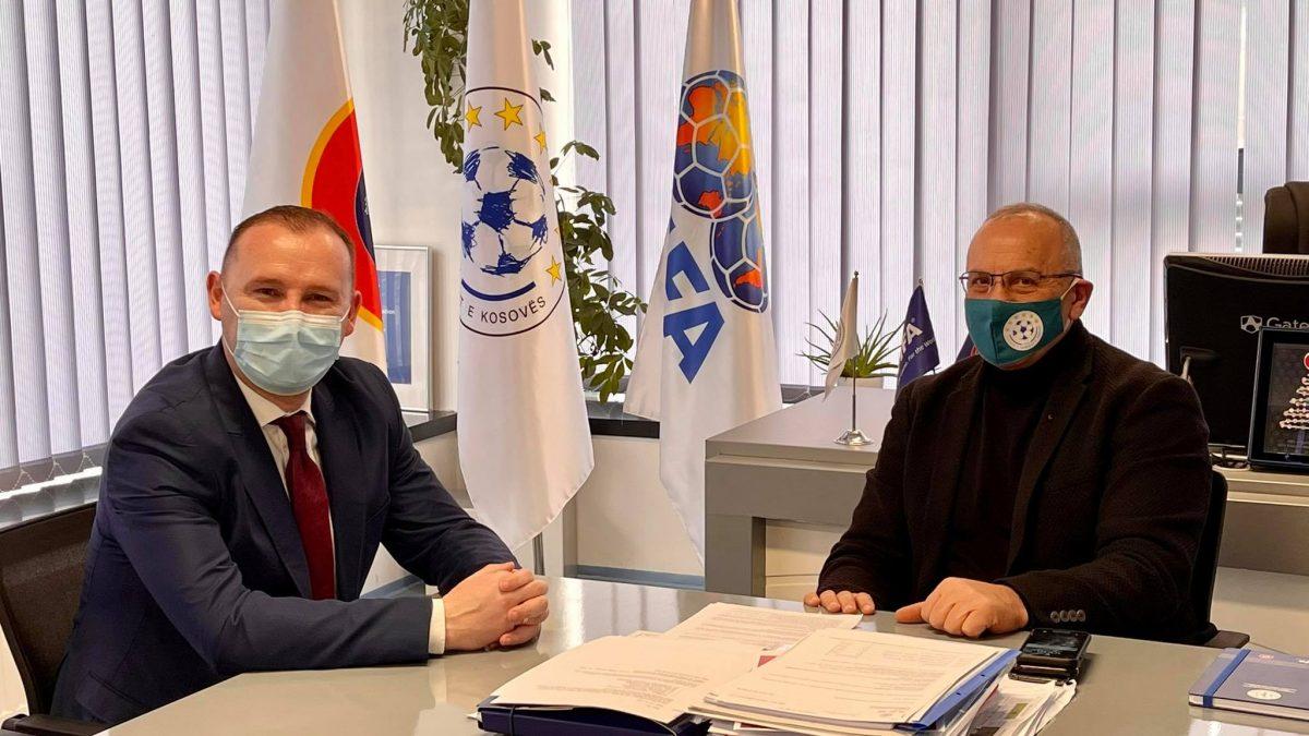 Presidenti Ademi priti në takim ministrin Zemaj