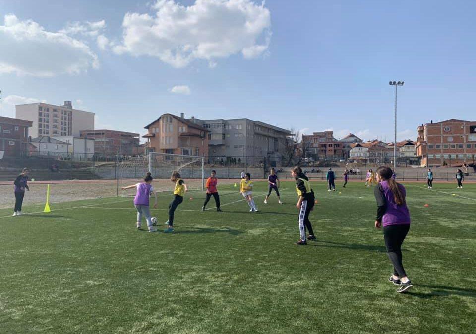 Festivali i Futbollit në Gjilan, argëtim maksimal për nxënësit e shkollave të mesme