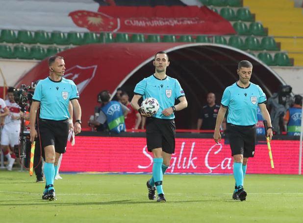 Gjyqtarët kosovarë ndajnë drejtësinë në ndeshjen Austri U21 – Estoni U21