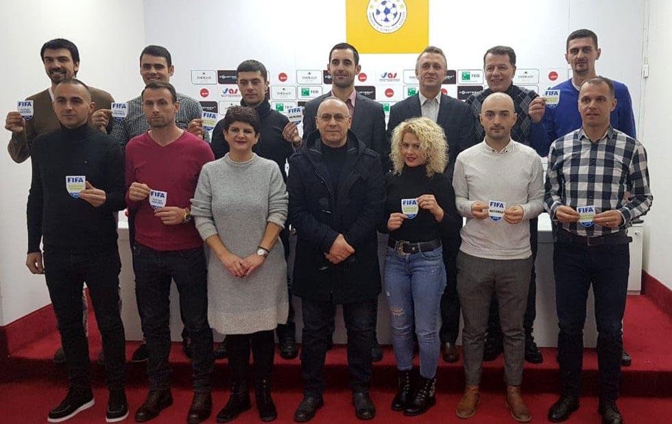 U dorëzuan stemat e FIFA-s për 10 gjyqtarë