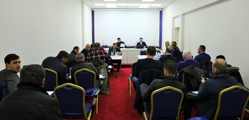 U mbajt seminari për licencimin e klubeve për garat e UEFA-s