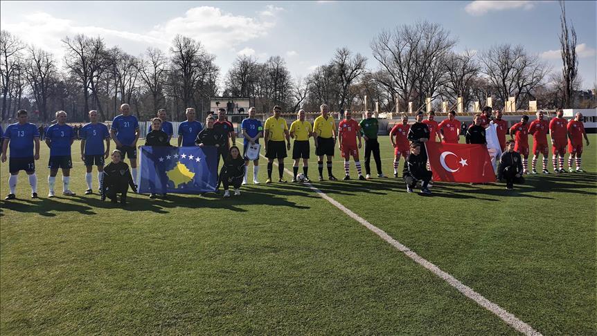 Veteranët e Kosovës e fituan miqësoren me veteranët e Turqisë