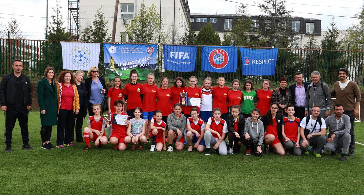 Vajzat e reja të kryeqytetit shfaqën dashuri e talent për futbollin