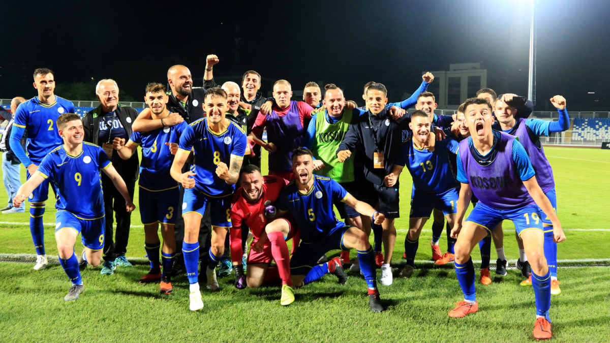 """Kosovo U-21 gives spectacle at """"Fadil Vokrri"""" against Turks, takes over the lead in Group 3"""
