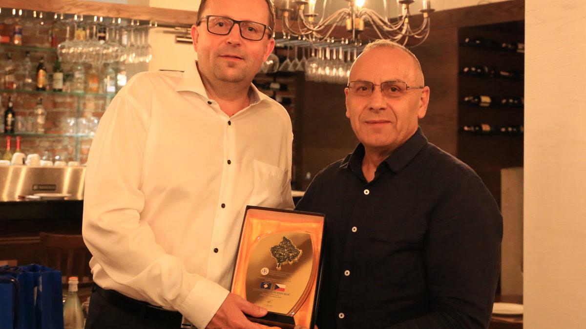 Presidenti Ademi shtroi darkë për delegacionin e Federatës së Çekisë