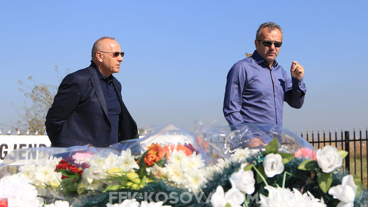 Ademi and Savicevic pay homage to the tomb of legend, Fadil Vokrri