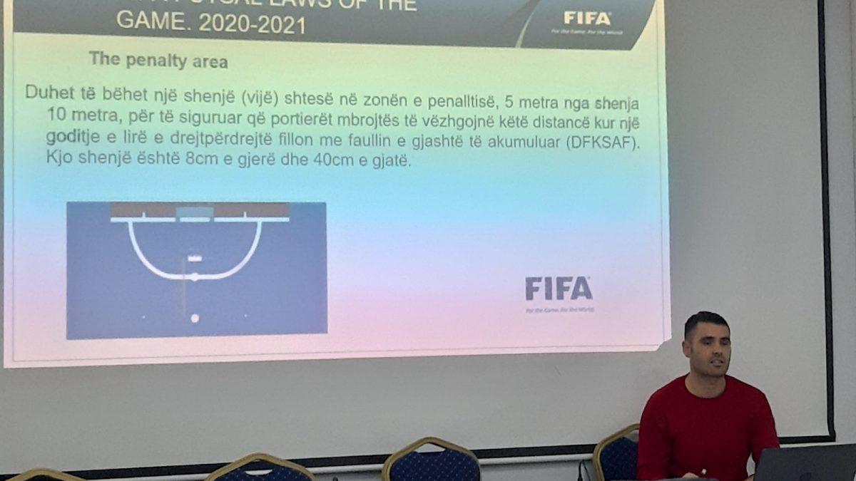 U mbajt seminari me klubet dhe zyrtarët e futsallit