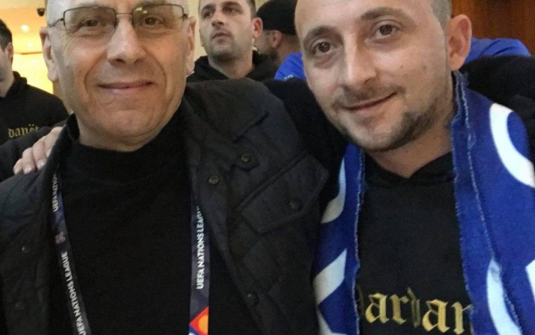 Në shenjë përkujtimi për tifozin tonë dardanë, Berat Rexha – Zëri i tij kumbues jehonte kudo në mbështetje të Kombëtares