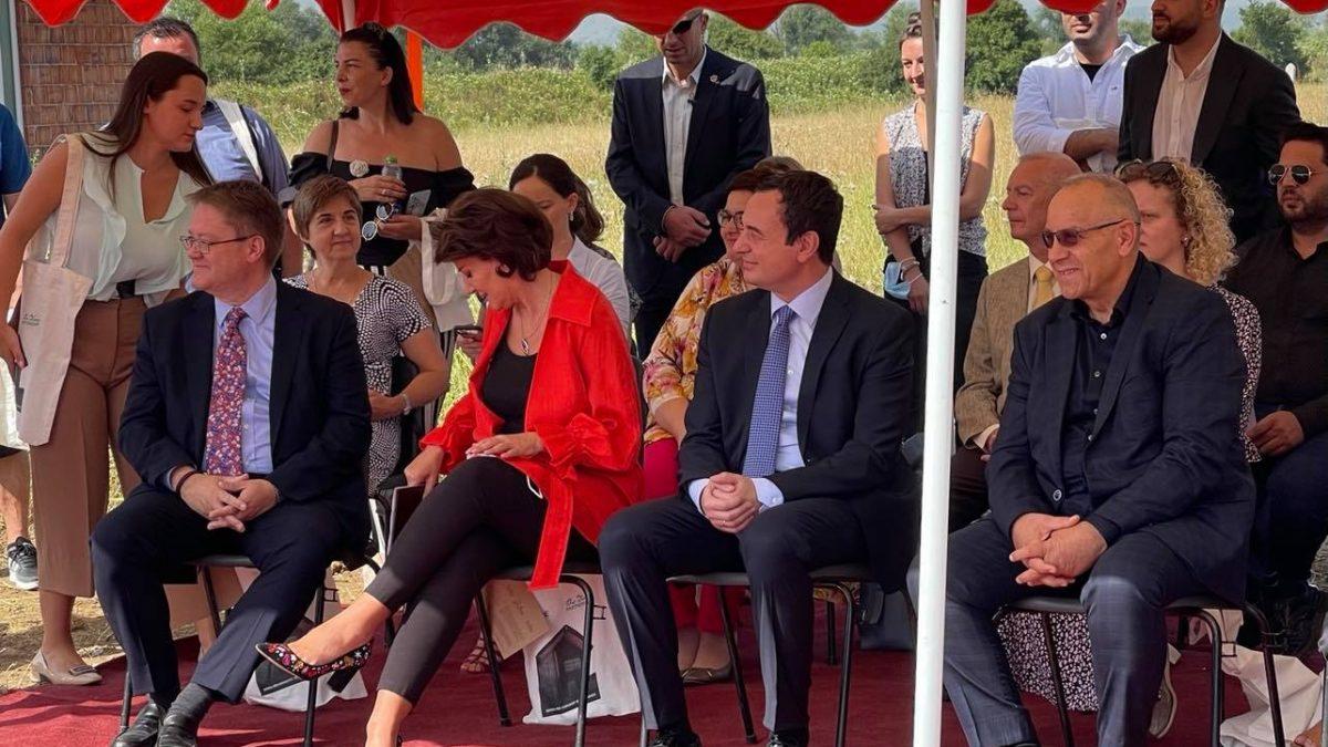 Presidenti Ademi mori pjesë në ceremoninë për ndërtimin e qendrës edukative të komunitetit RAE