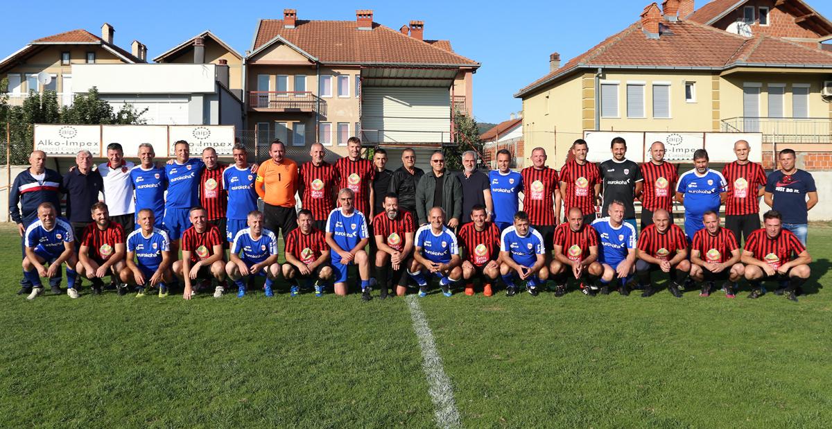 Veteranët e Flamurtarit fituan ndaj Prishtinës në ndeshjen e 30-vjetorit të mëvetësimit