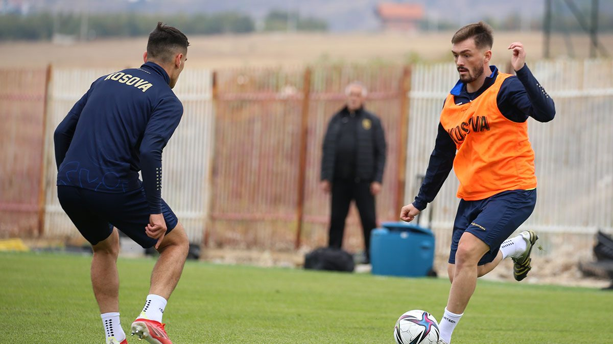 FIFA e miraton kërkesën e FFK-së, Toni Domgjonit i lejohet të luajë për Kosovën